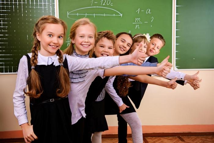 мы знаем как найти одноклассницу  по фамилии имени отчеству в России и странах СНГ