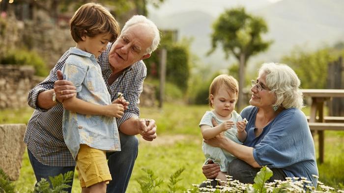 помогите найти внука и внучку